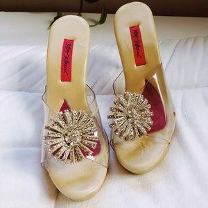 BETSY JOHNSON heels size 9 diamond flower